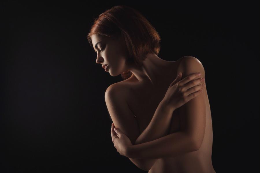 Sexy prsa mladé děvče - breastextra.cz